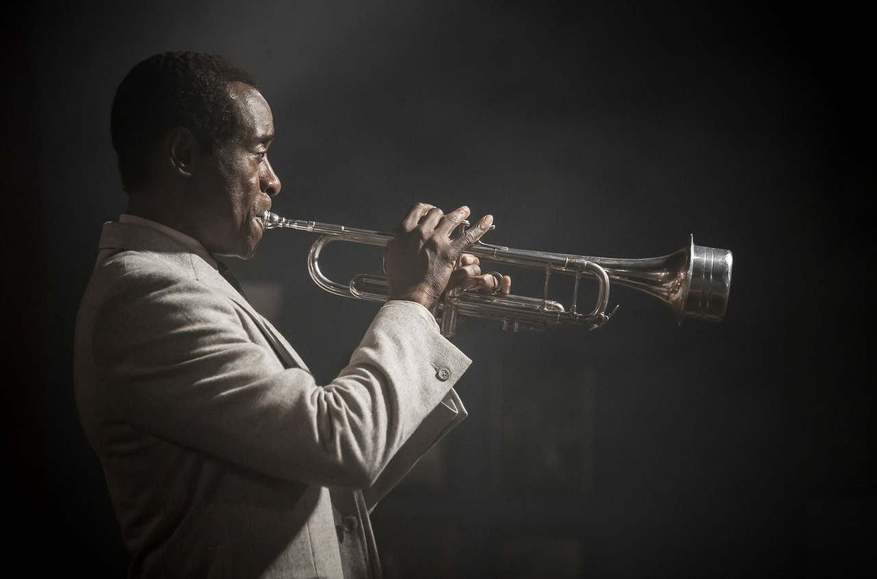 Miles Ahead: Don Cheadle in un'inquadratura del film