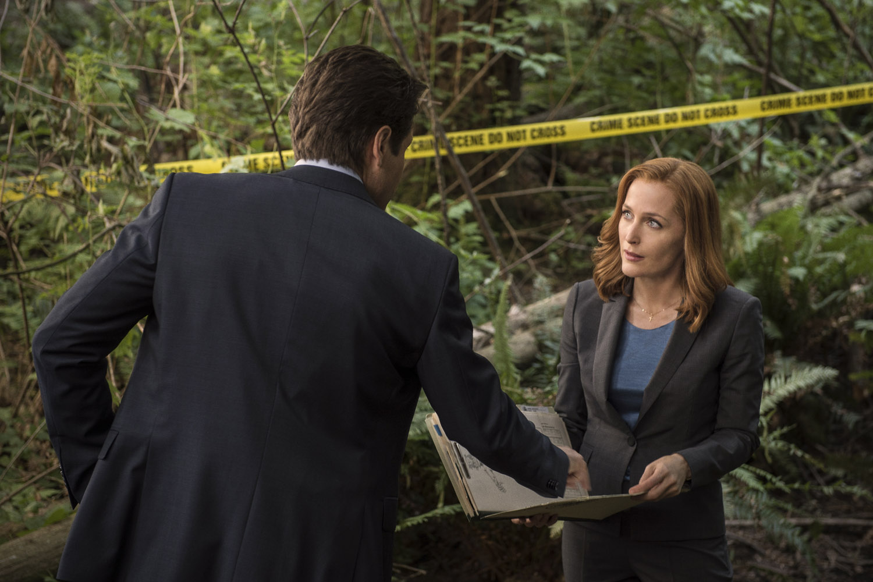 X-Files: David Duchovny e Gillian Anderson nell'episodio La lucertola mannara
