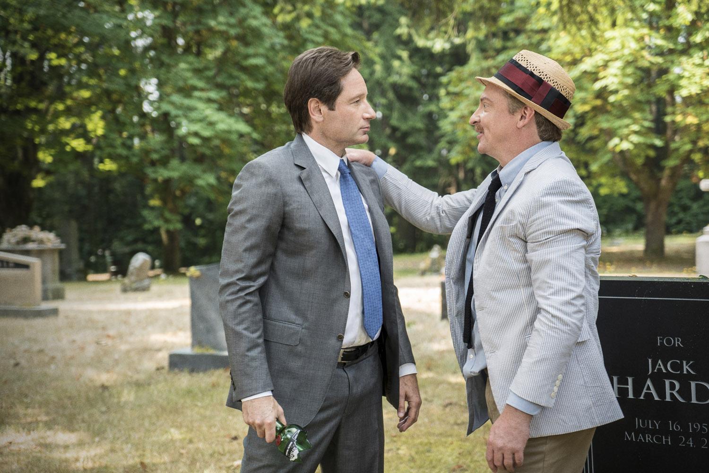 X-Files: David Duchovny e Rhys Darby nell'episodio La lucertola mannara