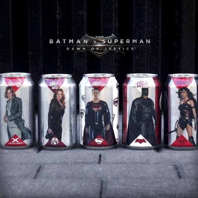 Batman V Superman: Dawn of Justice - I personaggi sulle lattine Dr Pepper