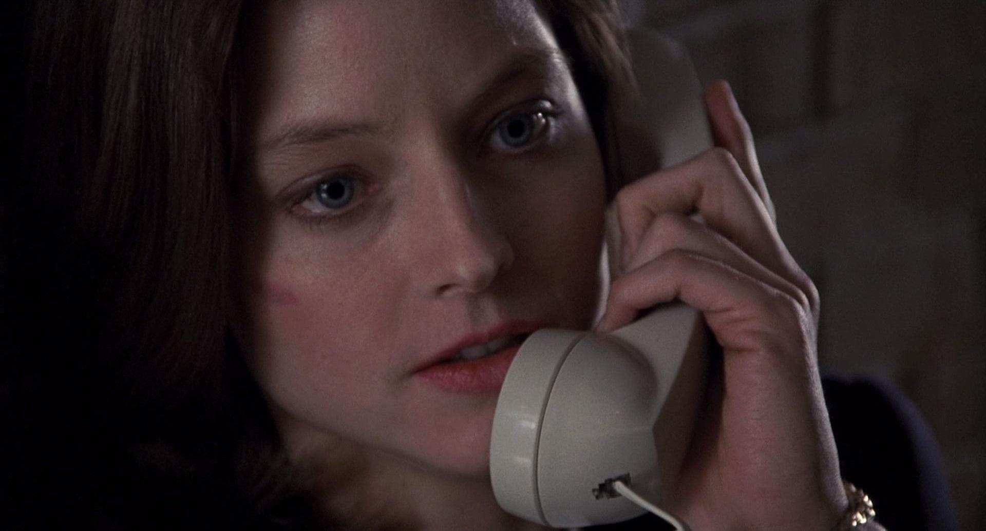 Clarice Starling (Jodie Foster) in una scena de IL SILENZIO DEGLI INNOCENTI
