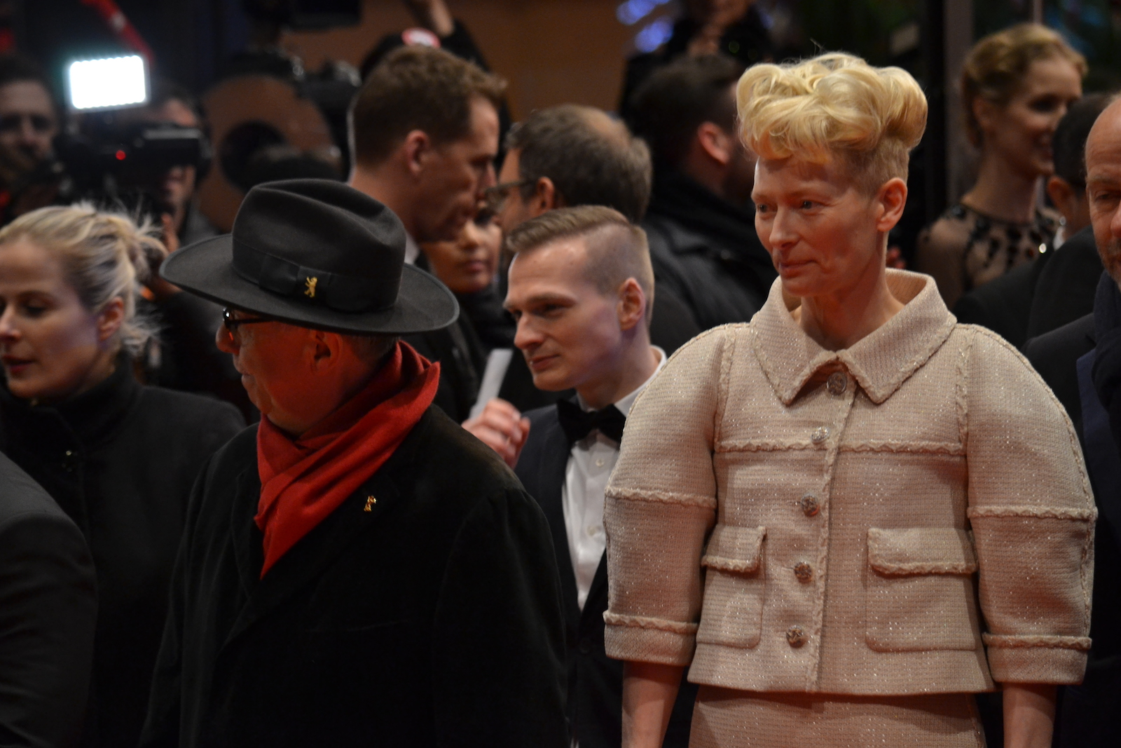 Berlino 2016: Tilda Swinton sul red carpet di Ave, Cesare!