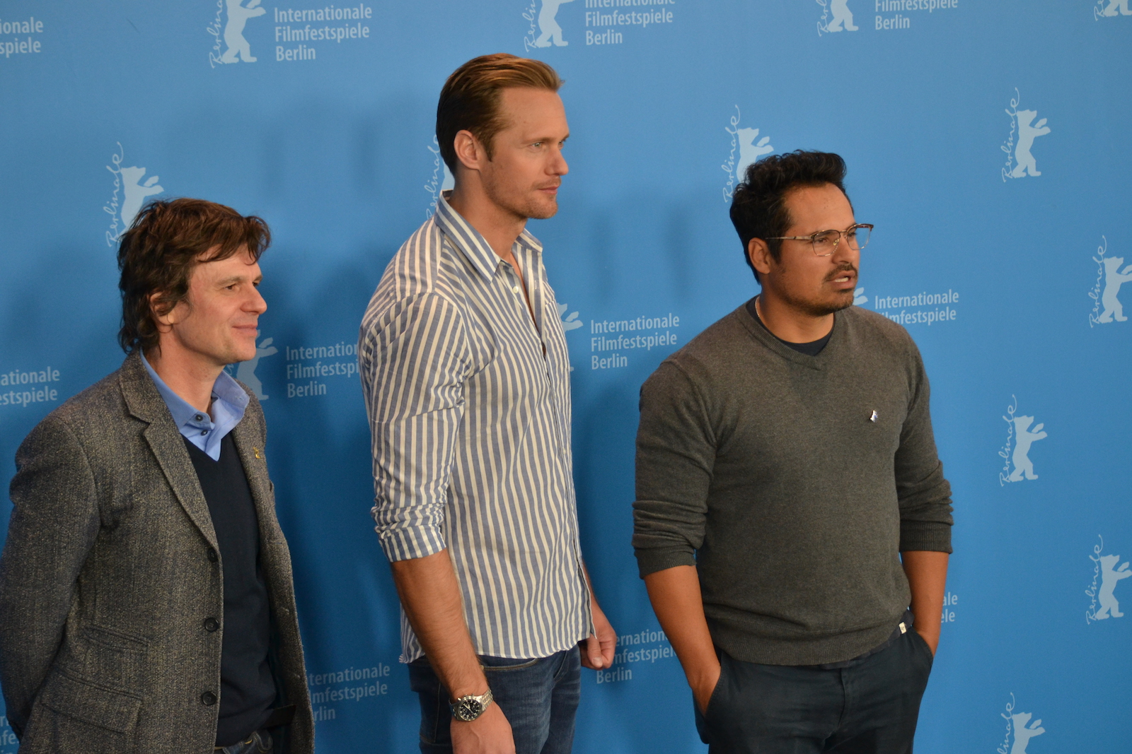 Berlino 2016: Chris Clark, Michael Peña e Alexander Skarsgård al photocall di War On Everyone