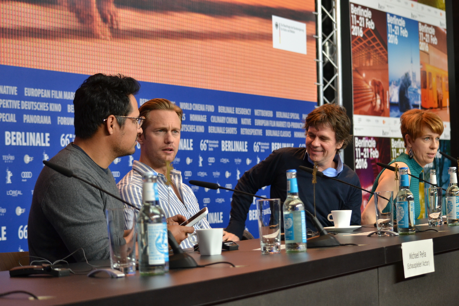 Berlino 2016: Michael Peña, Alexander Skarsgård e Chris Clark alla conferenza di War On Everyone
