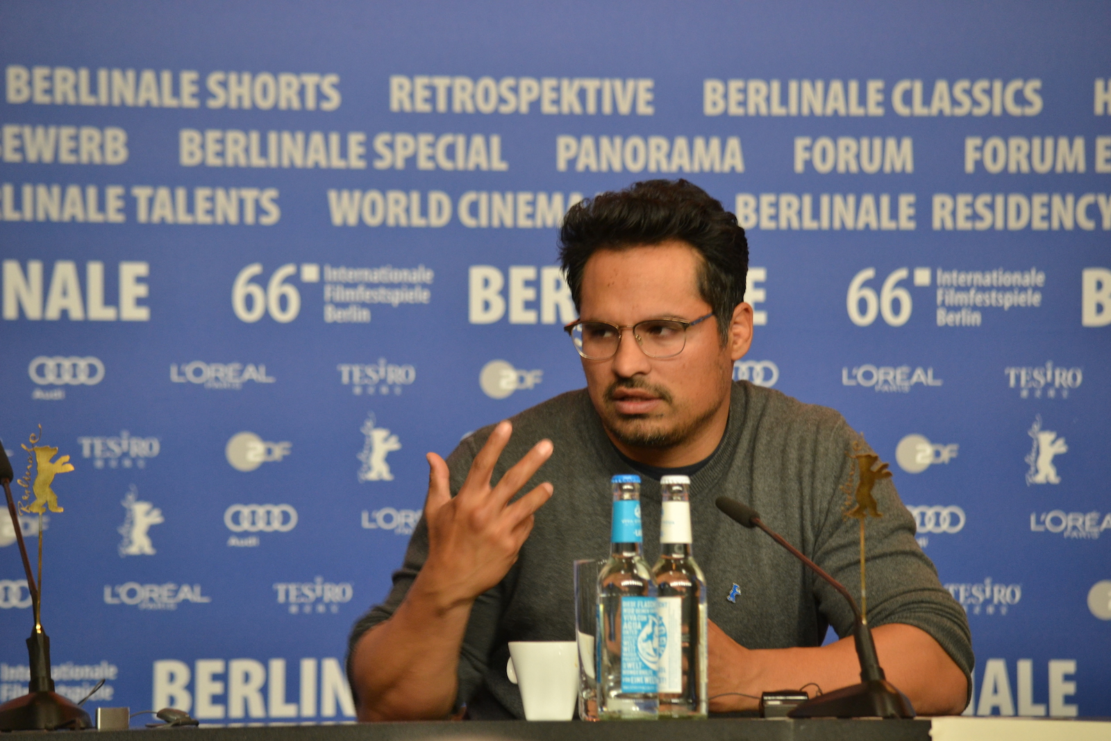 Berlino 2016: Michael Peña alla conferenza di War On Everyone
