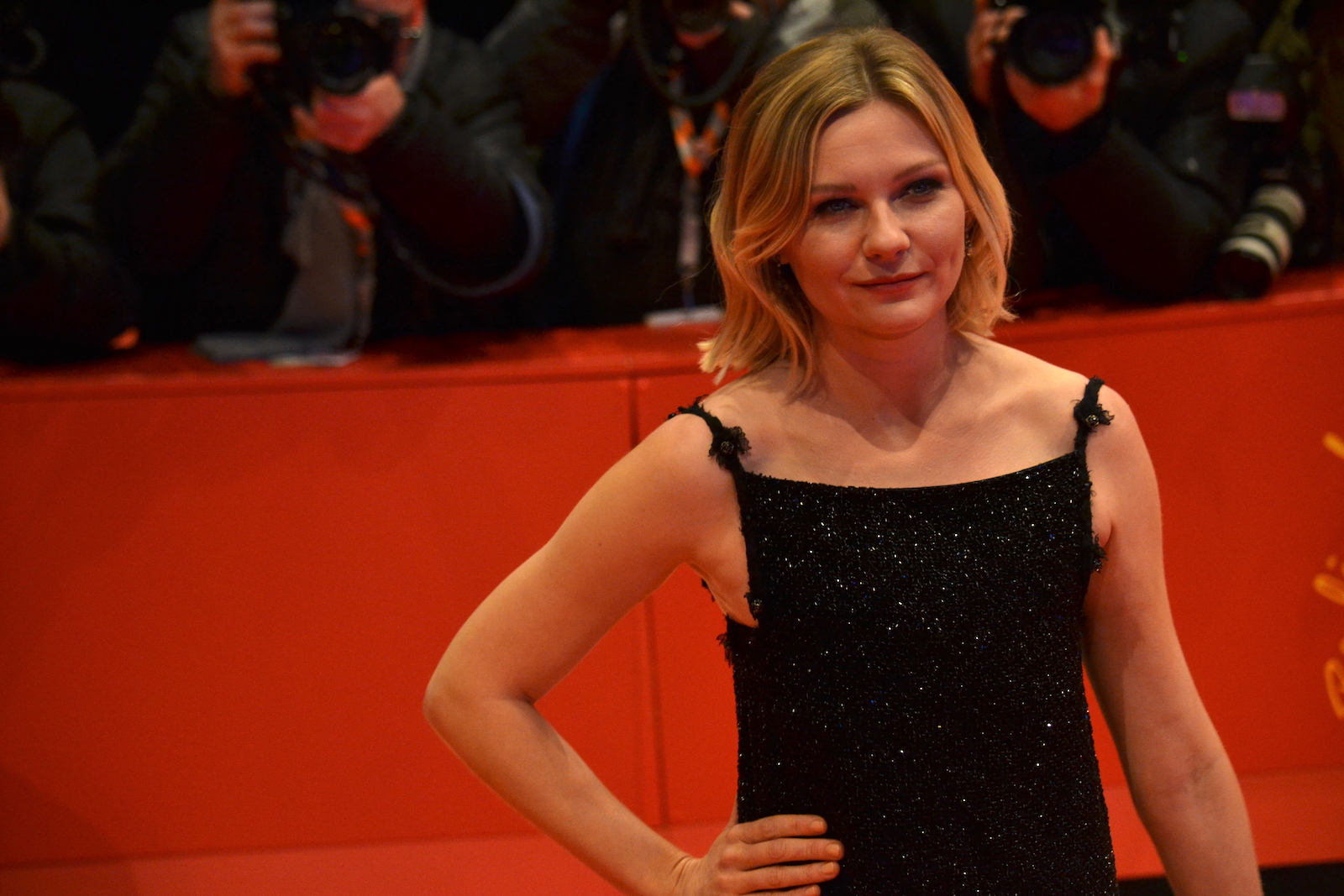 Berlino 2016: Kirsten Dunst posa sul red carpet di Midnight Special