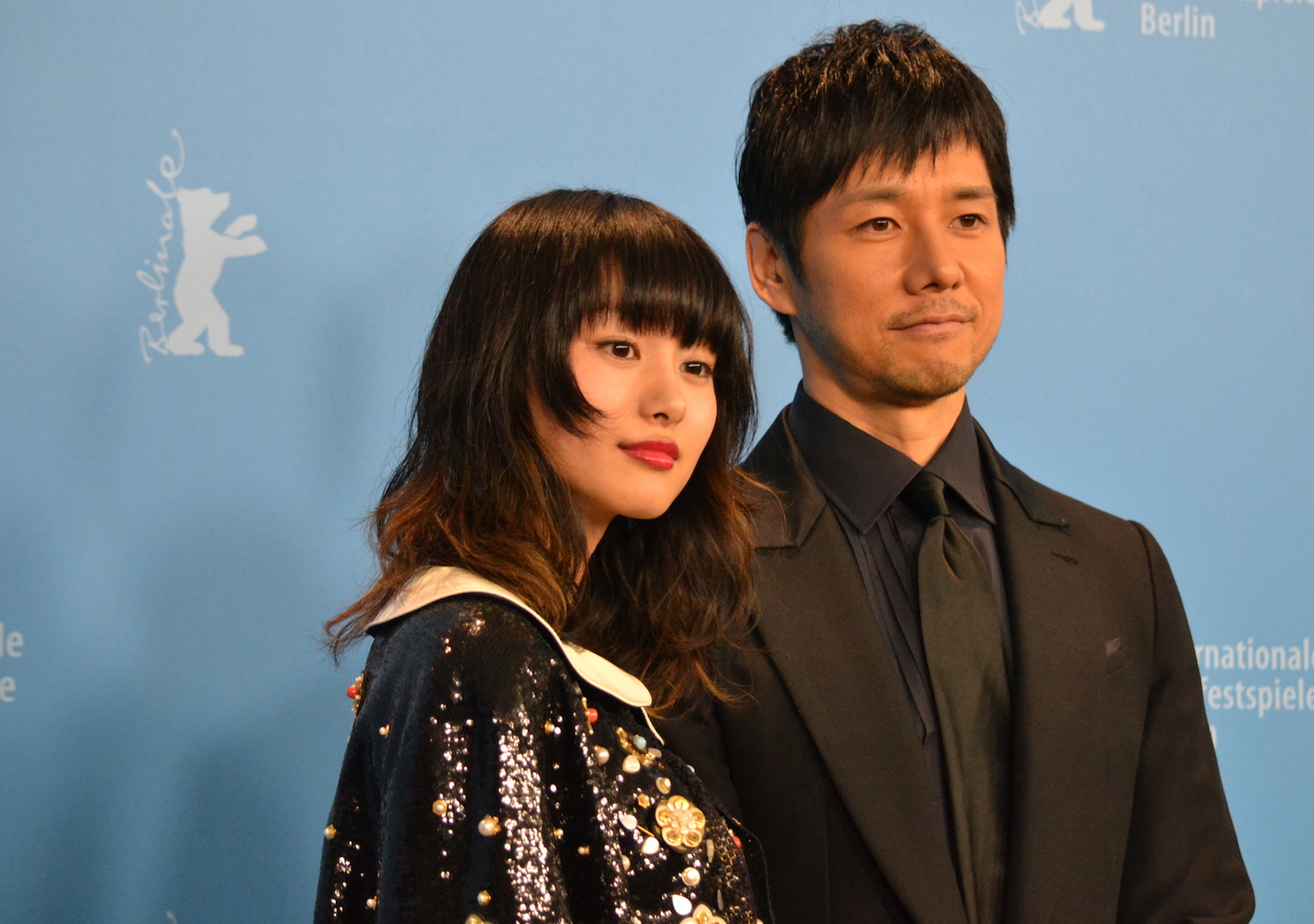 Berlino 2016: Hidetoshi Nishijima, Shioli Kutsuna posano al photocall di While the Women Are Sleeping