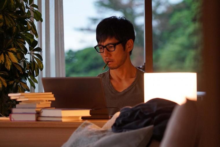 While the Women are Sleeping: Hidetoshi Nishijima in una scena