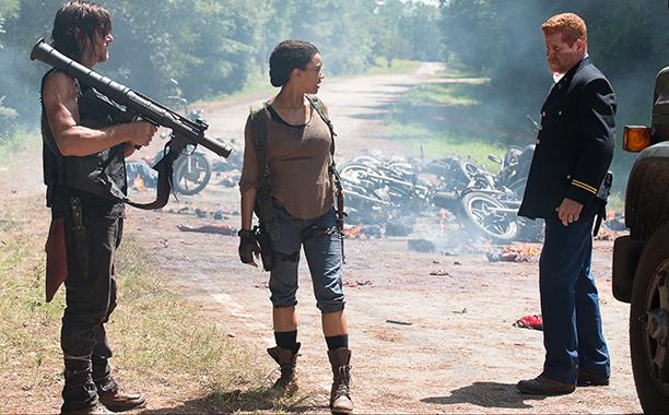the Walking Dead: Norman Reedus, Sonequa Martin-Green e Michael Cudlitz in No Way Out