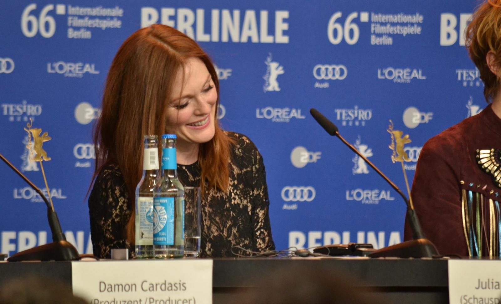 Berlino 2016: Julianne Moore alla conferenza di Maggie's Plan
