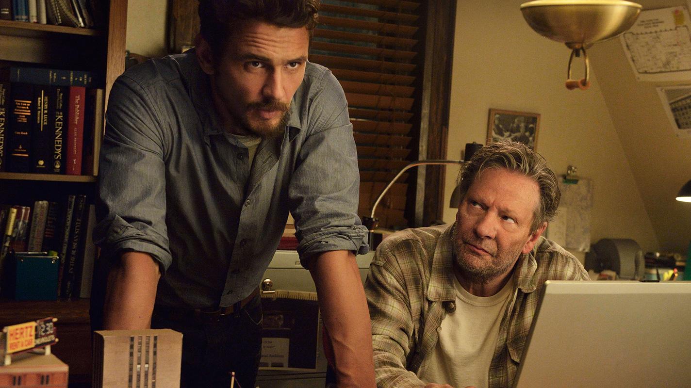 22.11.63: James Franco e Chris Cooper in una foto della serie evento