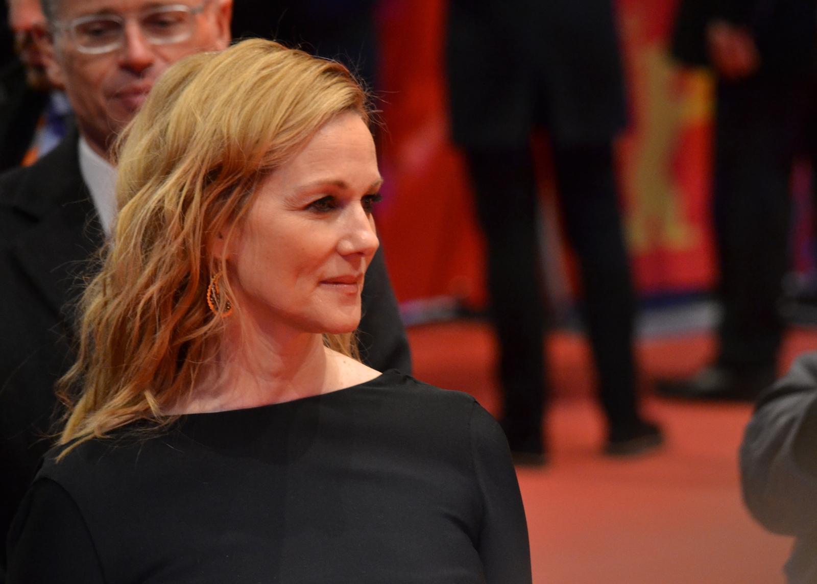 Berlino 2016: Laura Linney durante il red carpet di Genius