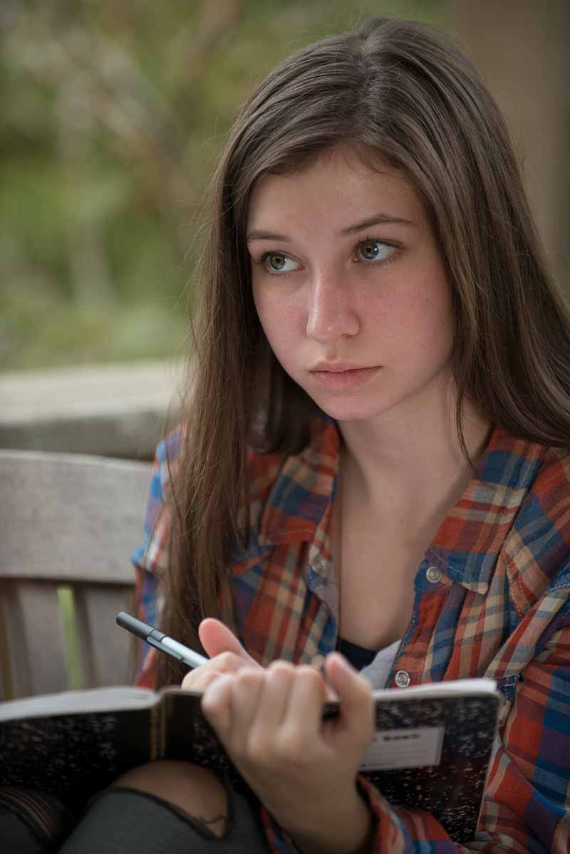 The Walking Dead: l'attrice Katelyn Nacon è Enid in The Next World