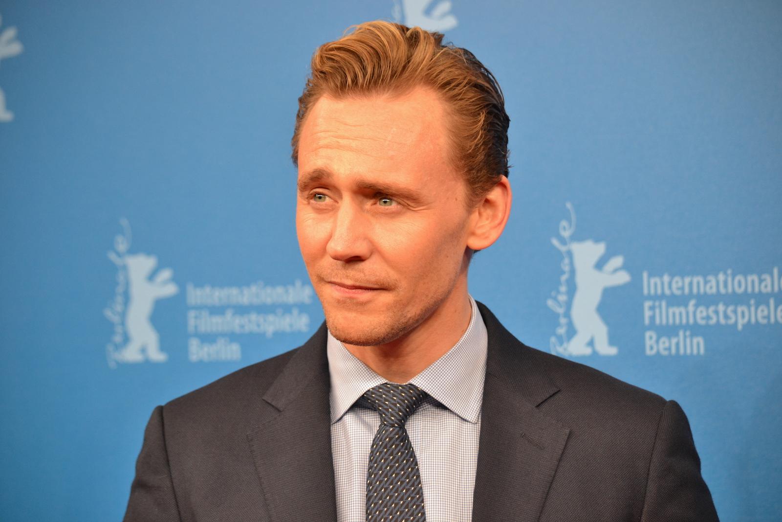 Berlino 2016: Tom Hiddleston sul red carpet di The Night Manager