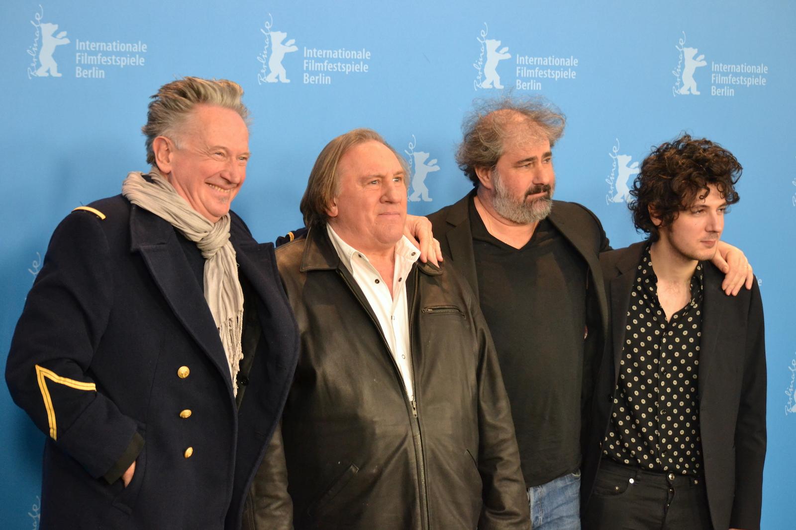 Berlino 2016: Benoît Delépine, Gustave Kervern, Gérard Depardieu, Vincent Lacoste in uno scatto al photocall di Saint Amour