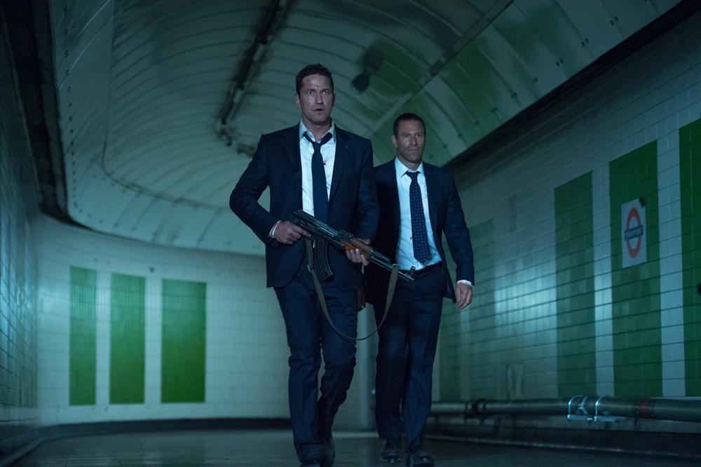 Attacco al potere 2: Gerard Butler e Aaron Eckhart in un momento del film