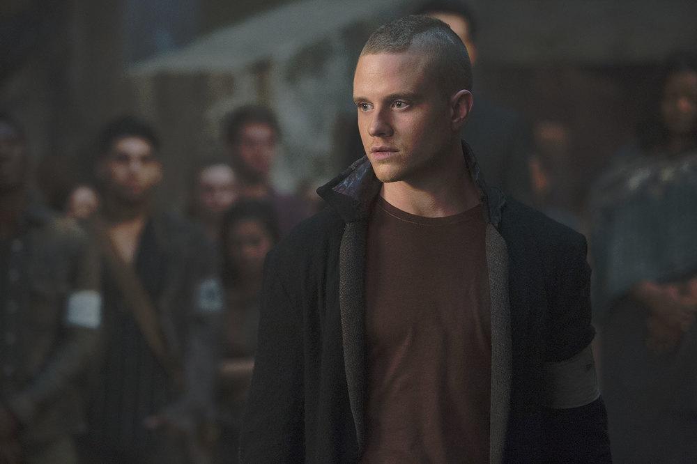 The Divergent Series: Allegiant, Jonny Weston in una scena del film