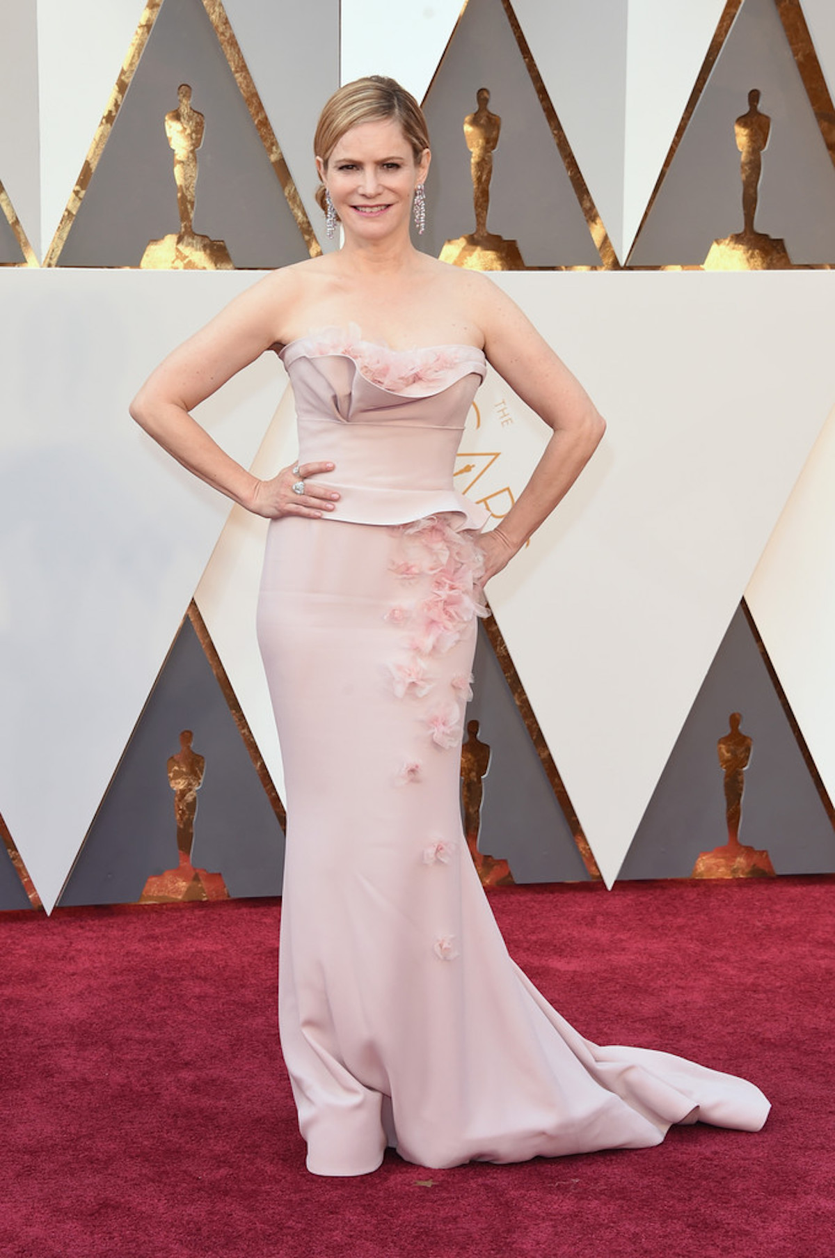 Oscar 2016: Jennifer Jason Leigh sul red carpet