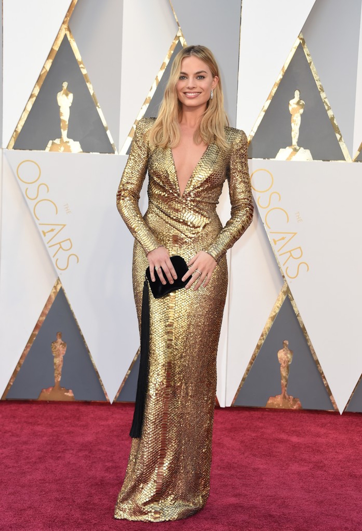 Oscar 2016: Margot Robbie sul red carpet