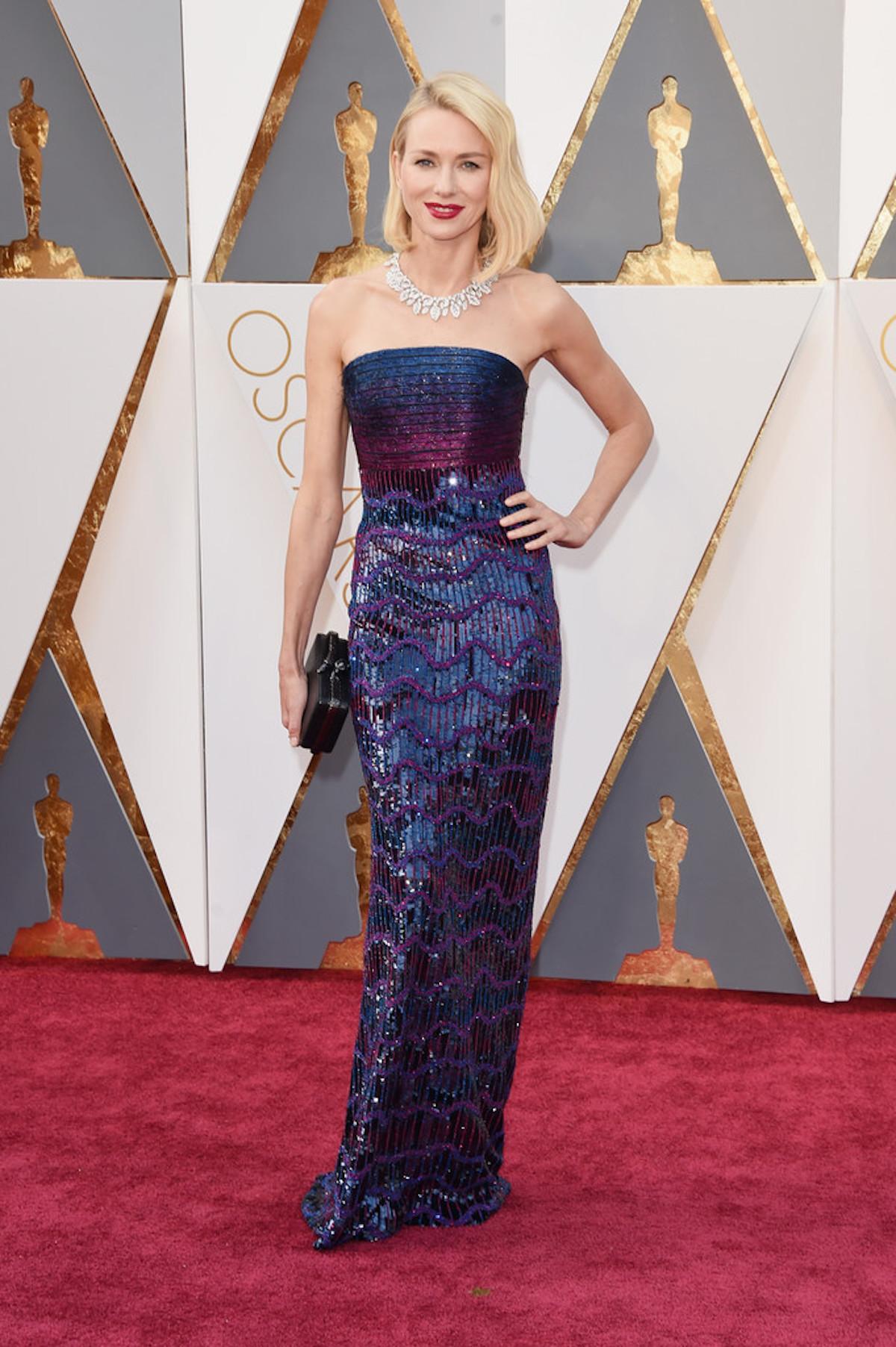 Oscar 2016: Naomi Watts sul red carpet