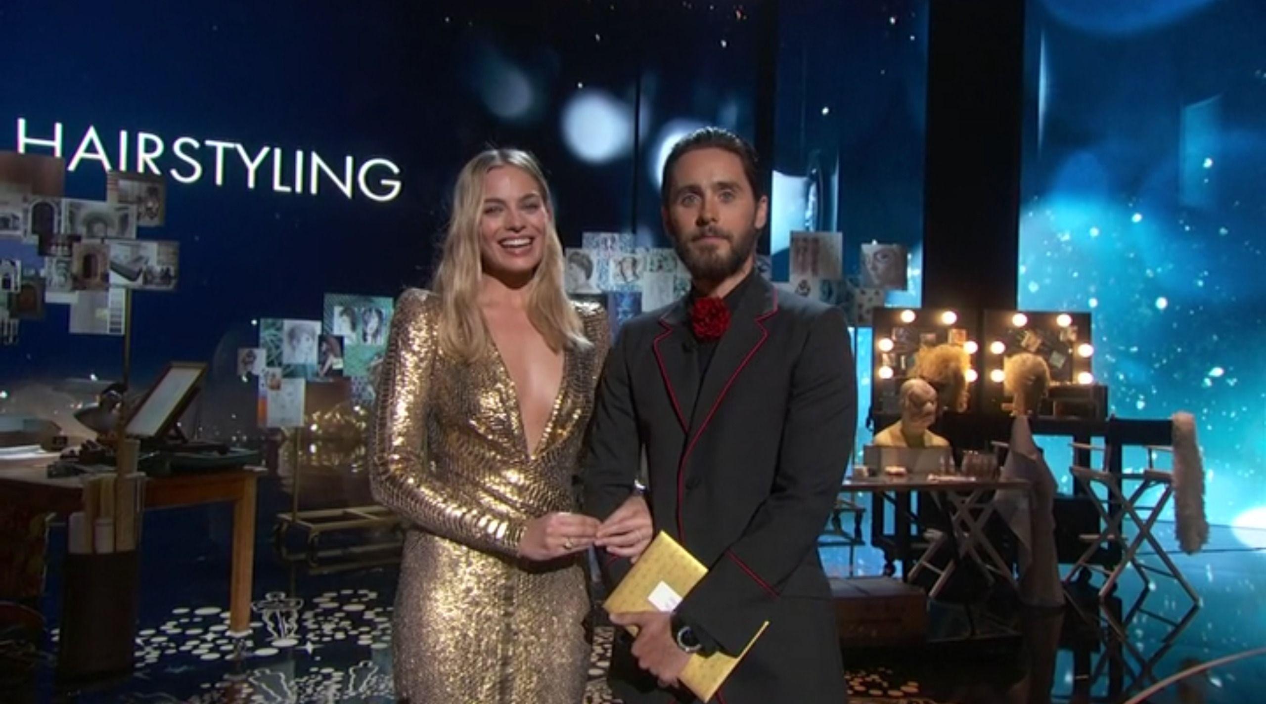 Oscar 2016: Margot Robbie e Jared Leto durante lo show