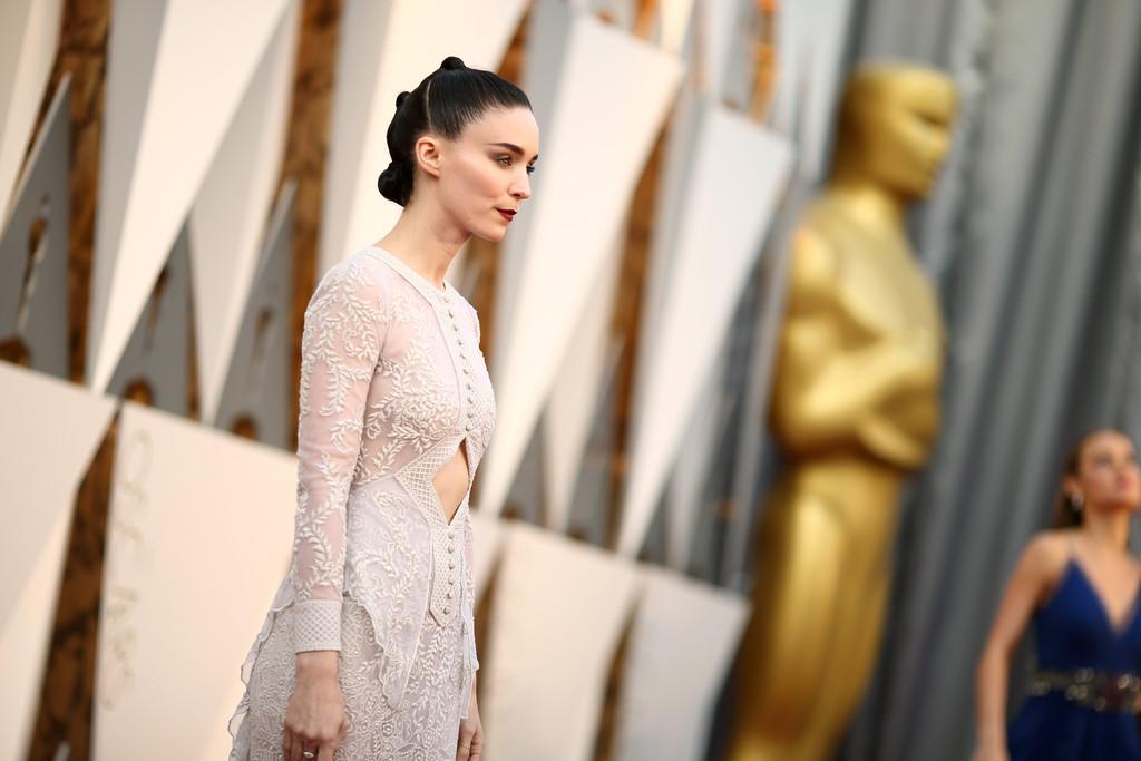 Rooney Mara sul tappeto rosso degli Oscar 2016