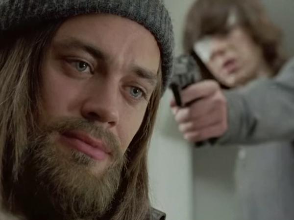 The Walking Dead: Tom Payne è Jesus in I nodi si sciolgono