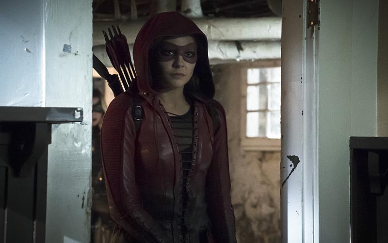 Arrow: Willa Holland in una foto dell'episodio Blood Debts