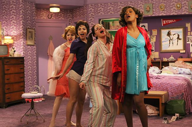 Grease Live!: Vanessa Hudgens, Keke Palmer, Kether Donohue, Carly Rae Jepsen in una scena del film