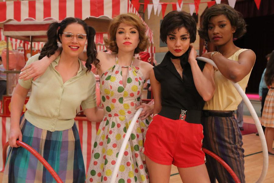 Grease Live!: le Pink Ladies Vanessa Hudgens, Keke Palmer, Kether Donohue, Carly Rae Jepsen
