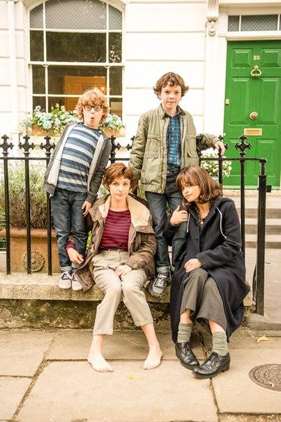 Love, Nina: Ethan Rouse, Helena Bonham Carter, Faye Marsay, Harry Webster in un'immagine