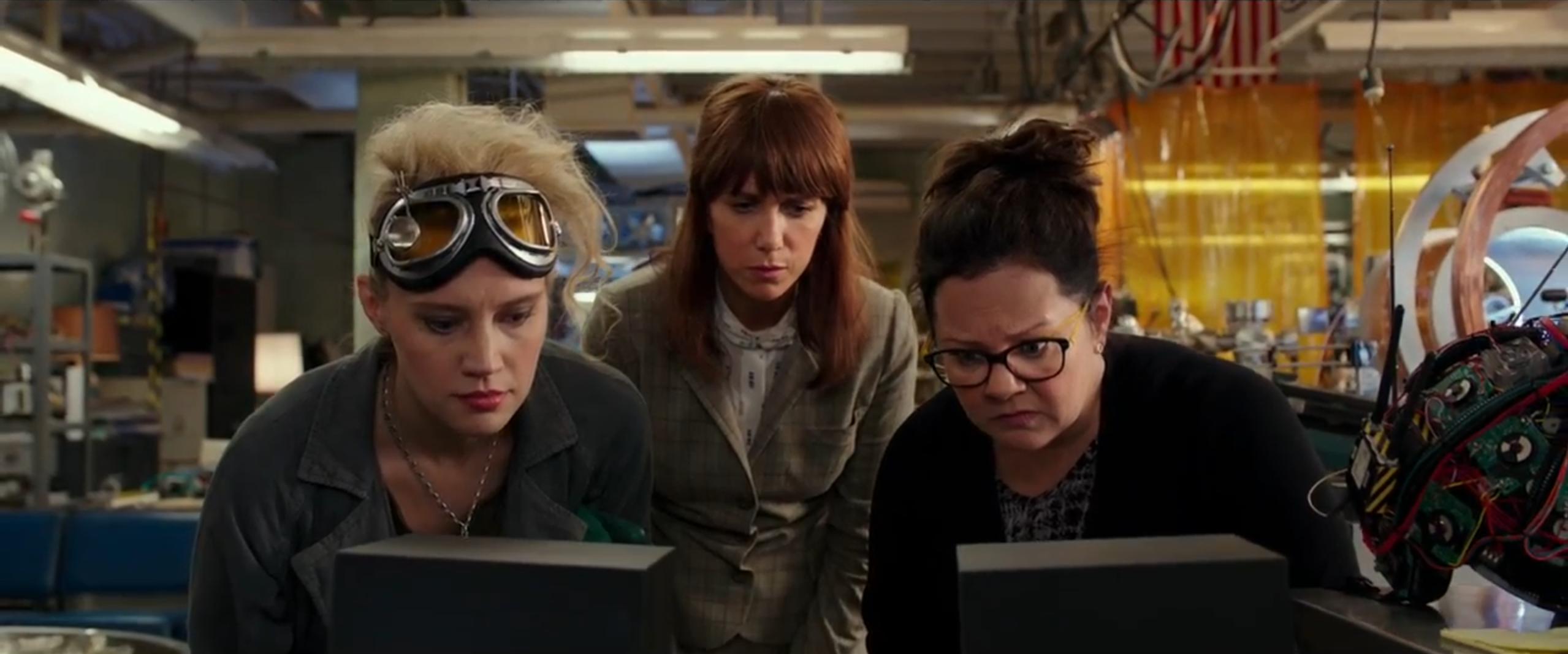Ghostbusters: Kristen Wiig, Melissa McCarthy e Kate McKinnon nel primo trailer del reboot