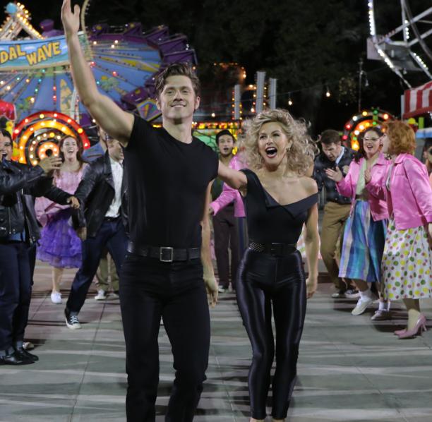 Grease Live!: Aaron Tveit e Julianne Hough in una scena del film