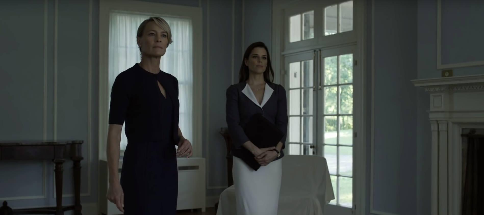 House of Cards: le attrici Robin Wright e Neve Campbell in una foto della quarta stagione