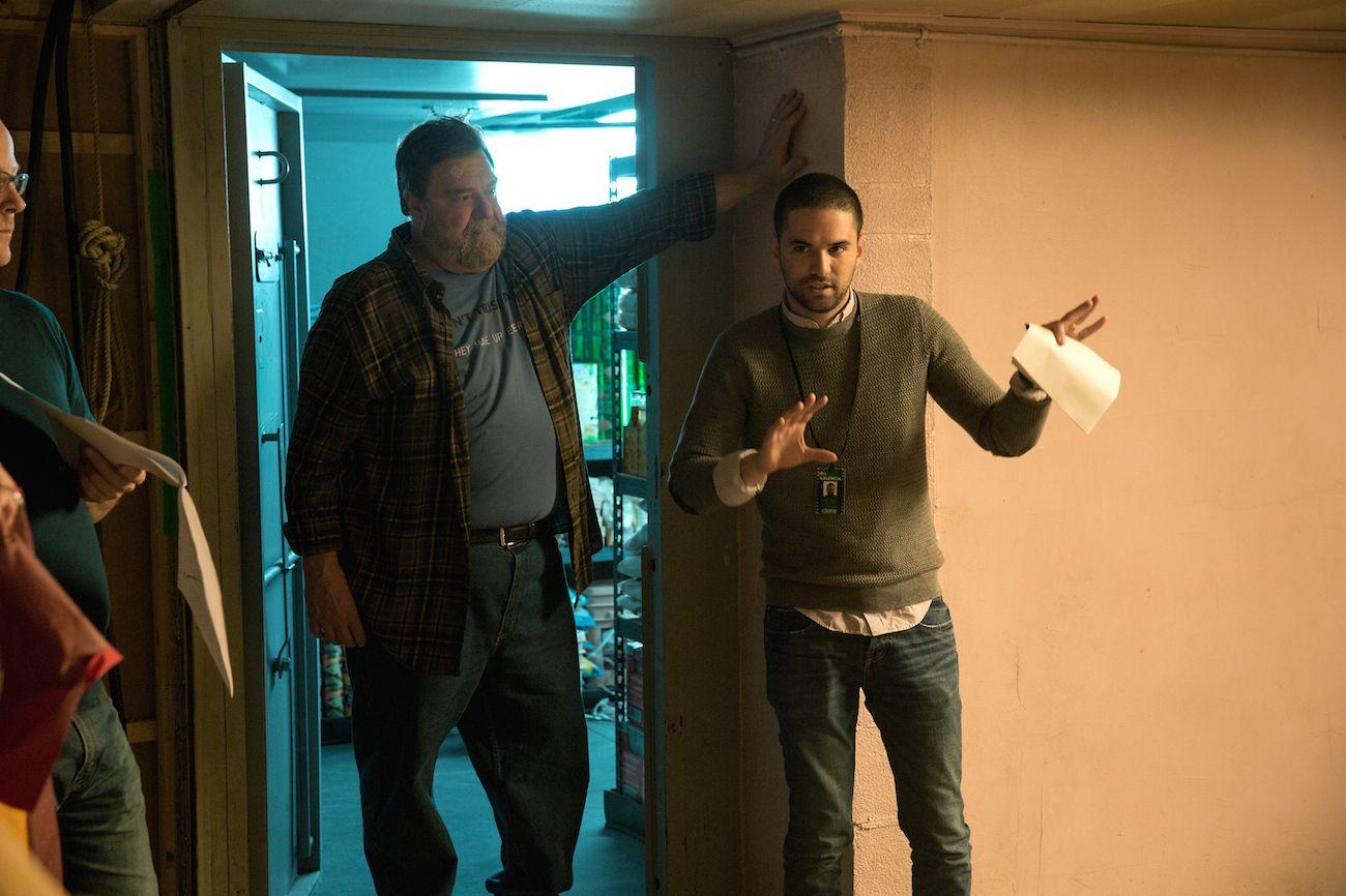 10 Cloverfield Lane: John Goodman e il regista Dan Trachtenberg sul set