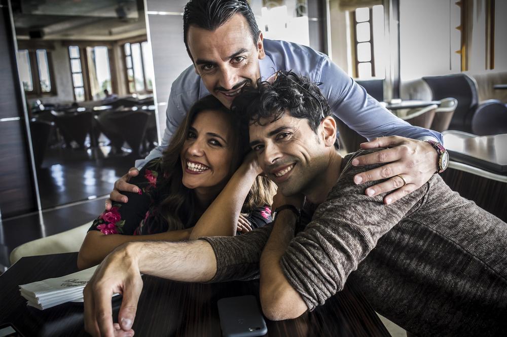 Troppo napoletano: Rosario Morra, Luigi Esposito e Serena Rossi in un'immagine promozionale del film