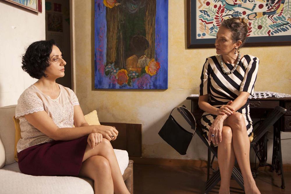 Educação sentimental: Josi Antello e Débora Olivieri in un momento del film