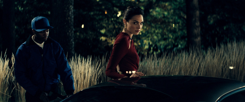 Batman v Superman: Dawn of Justice, Gal Gadot in un momento del film