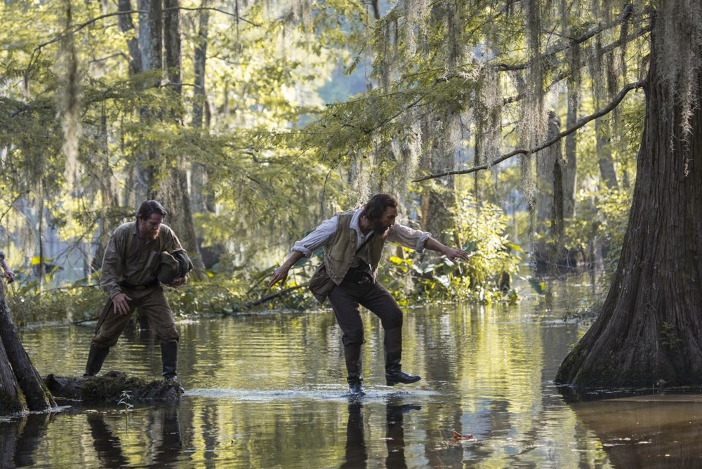 Free State of Jones: Matthew McConaughey e Christopher Berry in una scena del film