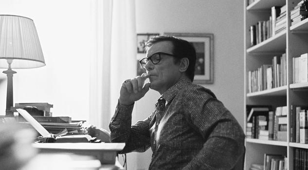 La macchinazione: Massimo Ranieri in un'immagine dal set