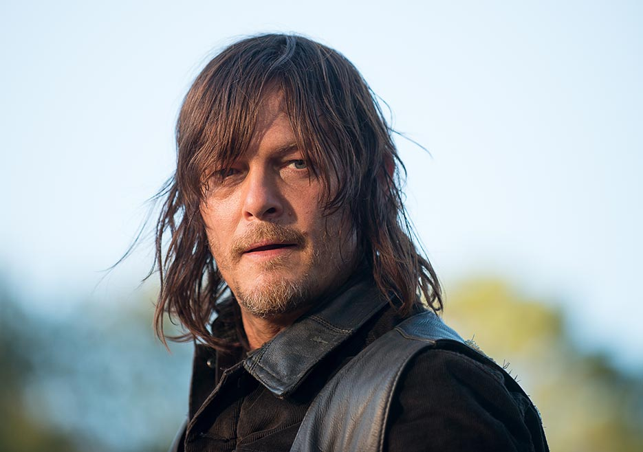 The Walking Dead: Norman Reedus in una foto dell'episodio Twice As Far