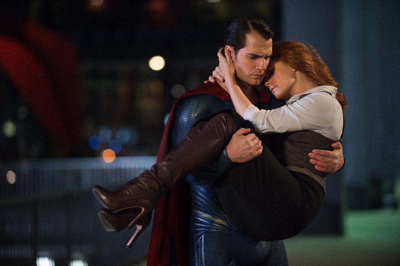 Batman v Superman: Henry Cavill e Amy Adams interpretano Clark e Lois