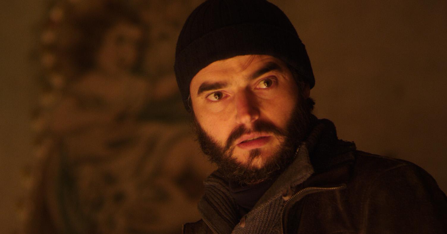 Il bambino di vetro: Paolo Briguglia in una scena del film