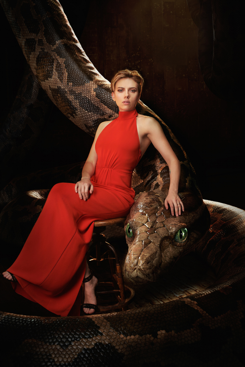 Il libro della giungla: Scarlett Johansson vicino a Kaa