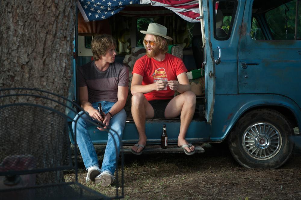 Tutti vogliono qualcosa: Blake Jenner e Wyatt Russell in una scena del film