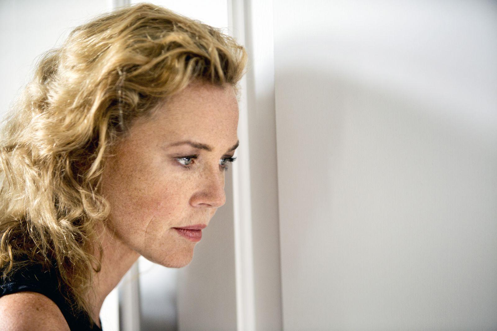 Le confessioni: un bel primo piano di Connie Nielsen