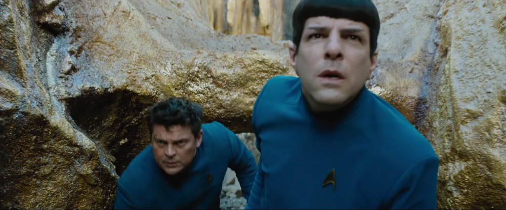 Star Trek Beyond: Karl Urban e Zachary Quinto in una scena del film