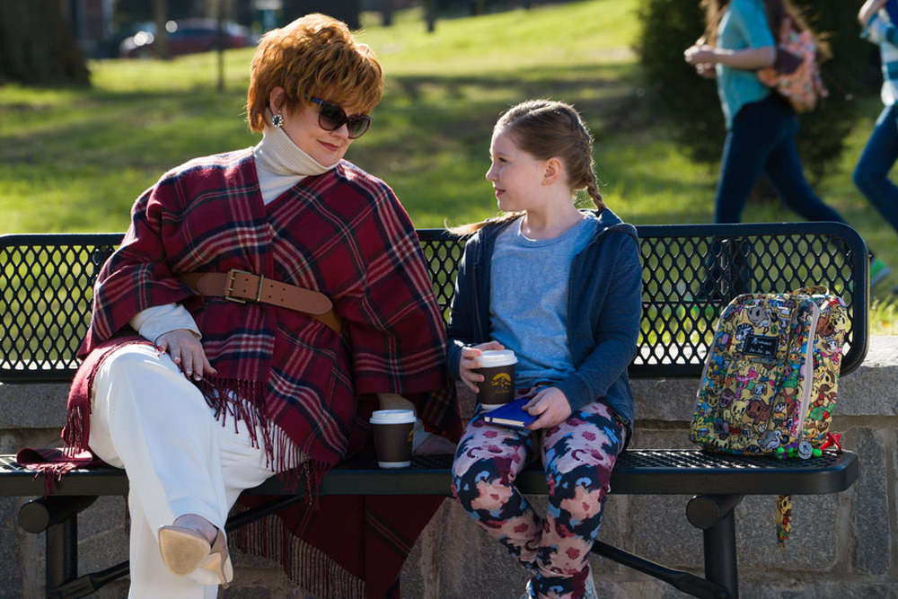 The Boss: Melissa McCarthy ed Ella Anderson in una scena del film