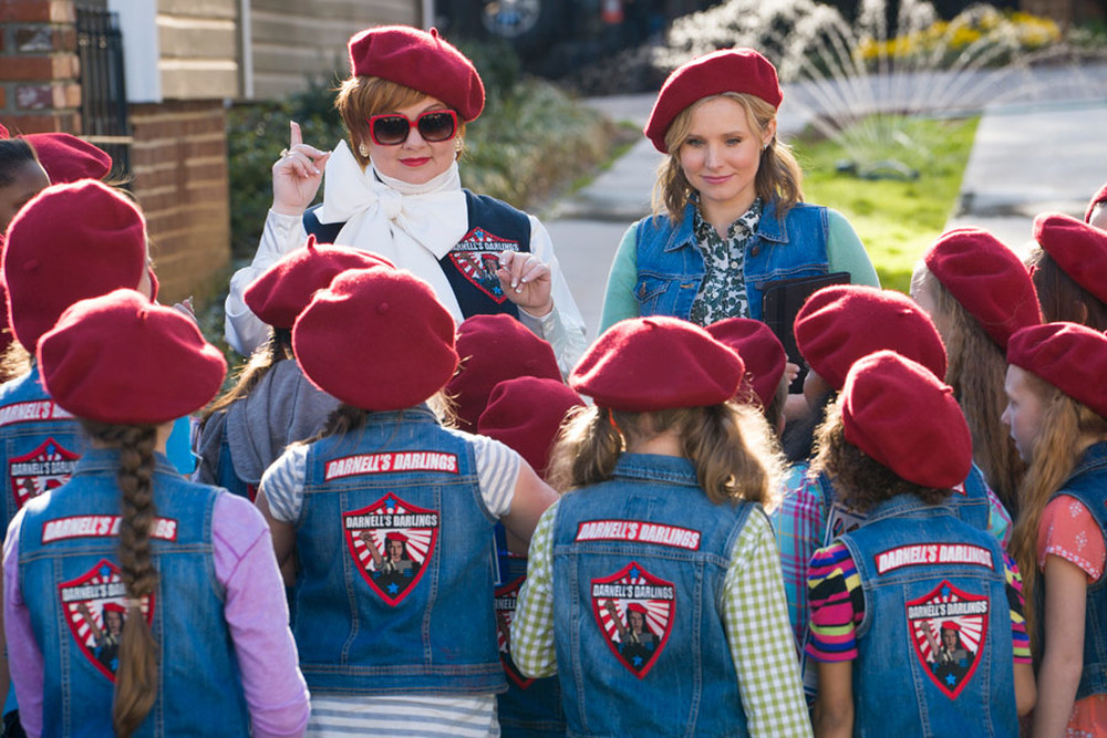 The Boss: Melissa McCarthy e Kristen Bell in una scena del film