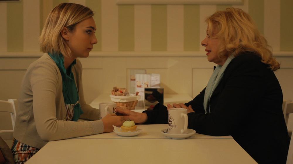 Con tutto l'amore che ho: Cristel Carrisi e Sandra Milo in una scena del film
